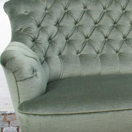 Arvestykke. Sofaen er restaureret af Møbelværkstedet i Osted